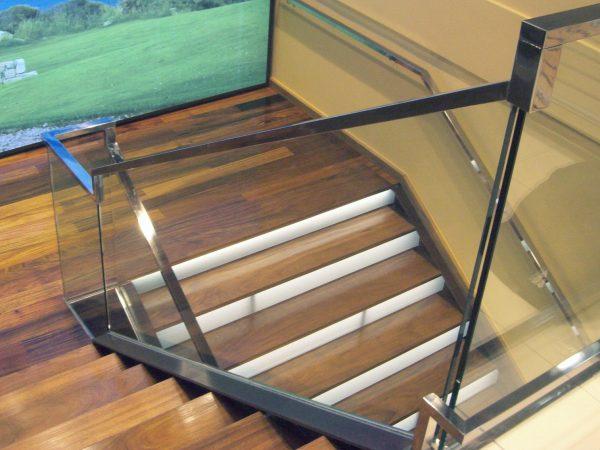 Pasmanos de Escalera en Acero Inoxidable